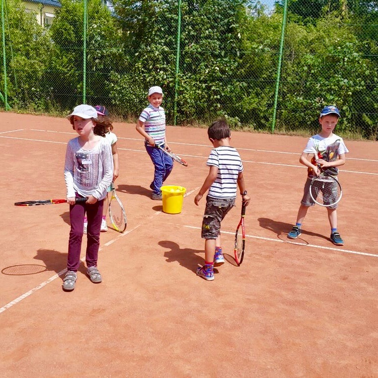 Familien-Tennis-Tag in Mauer