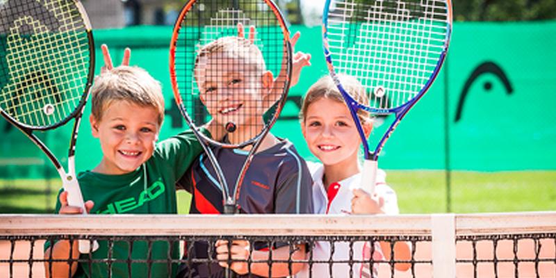 Tenniskurse für Kinder